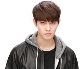 A wild vampire who looks down on humans, Han Sihoo...