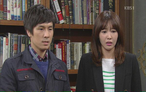 Taepyeong convinces Ugyeong to speak to her father...
